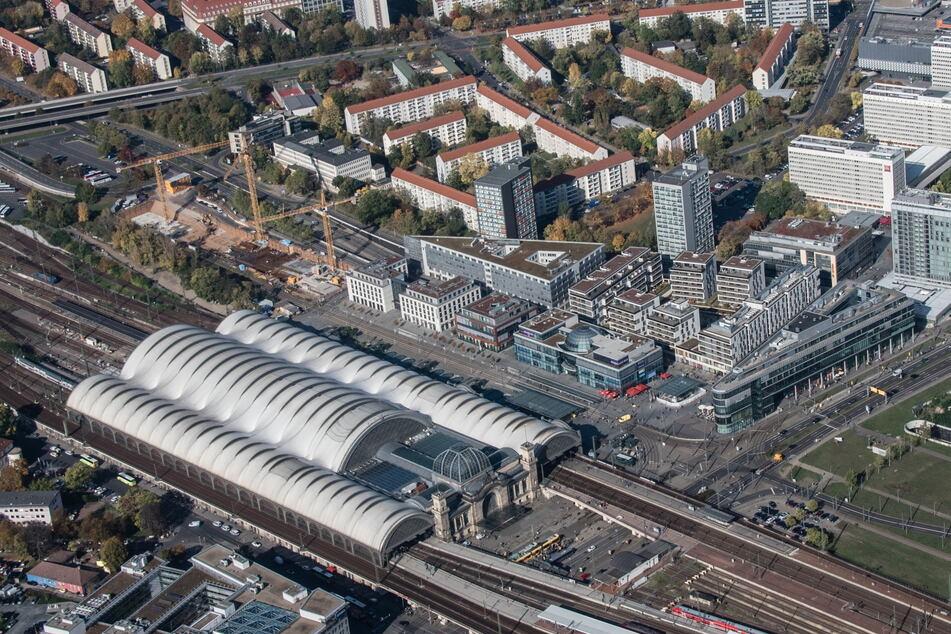 Der Fernbus-Terminal schließt den Wiener Platz künftig auf der Westseite ab.