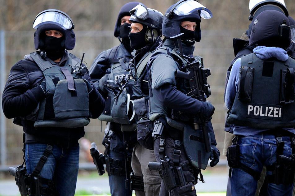 Spezialkräften der Polizei nahmen einen Mann in Nürnberg fest. (Symbolbild)