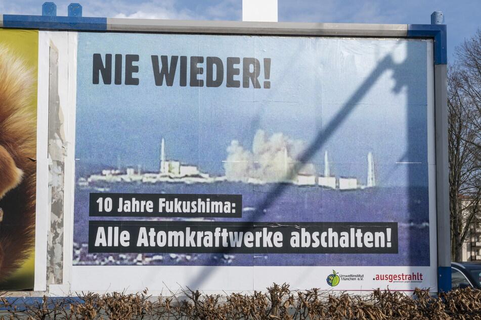 Chemnitz: Chemnitz: Großplakat erinnert an Fukushima-Katastrophe