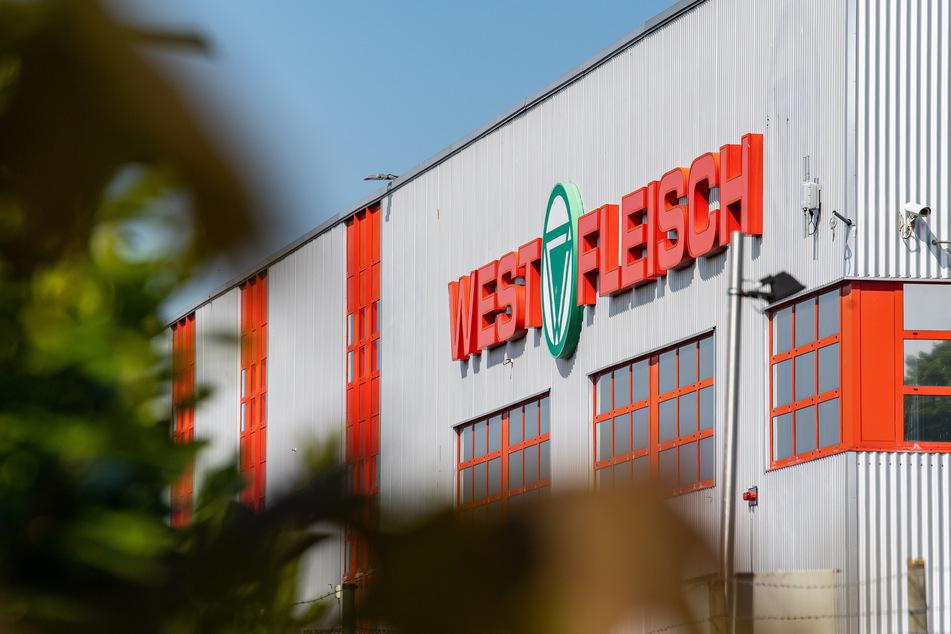In einer Fleischfabrik in Coesfeld gibt es 230 Corona-Fälle.