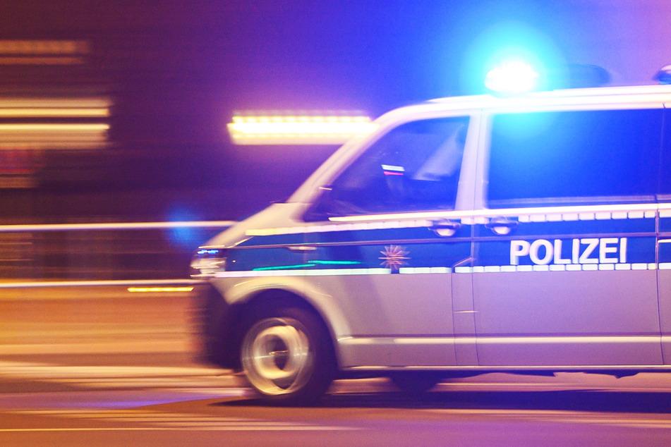 Männer schießen auf Autofahrer: Polizei schnappt zwei Täter, fahndet nach weiteren