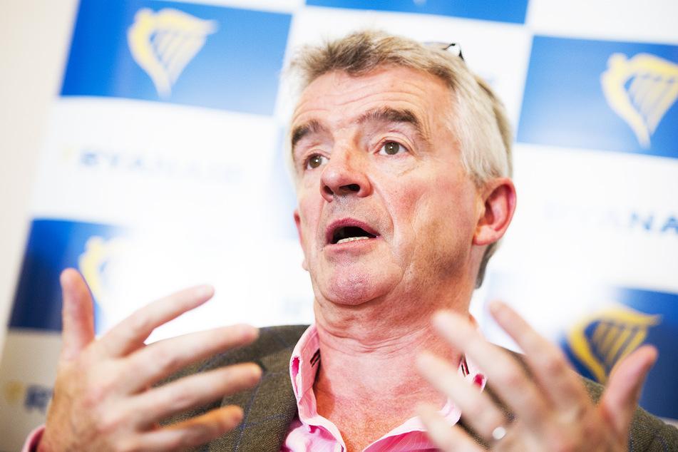 Ryanair-Chef Michael O'Leary (59) während einer Pressekonferenz.