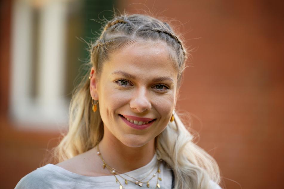 """Cheyenne Pahde (26) nimmt sich eine Pause von der RTL-Soap """"Alles was zählt""""."""