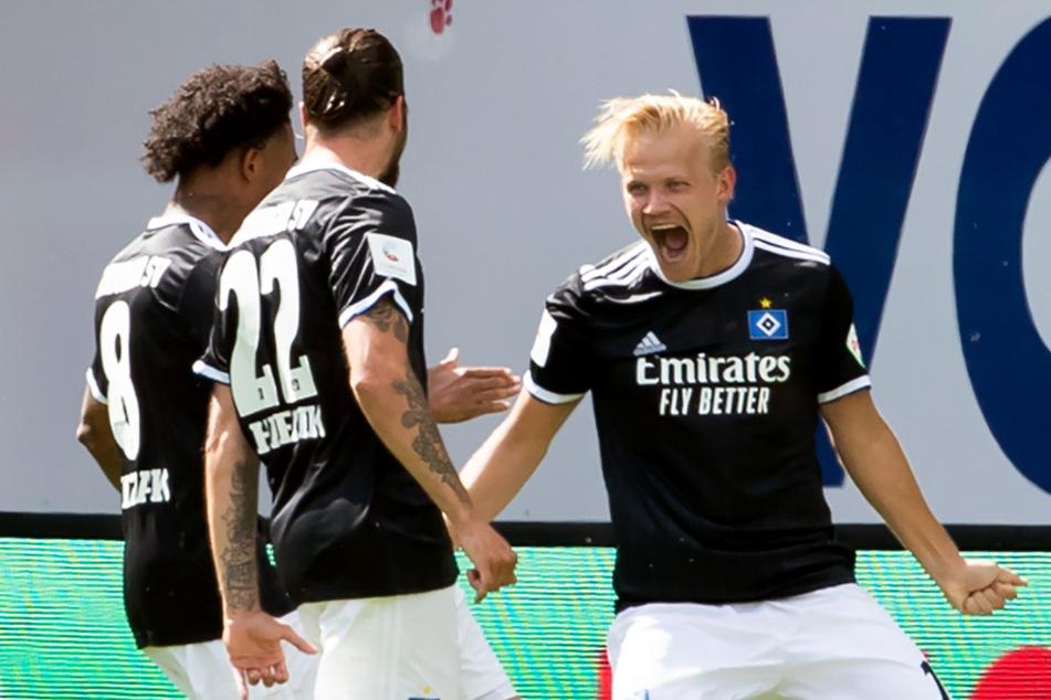 Mit dem Treffer von Joel Pohjanpalo (rechts) begann die Partie hoffnungsvoll für den HSV.