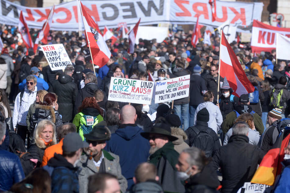 Coronavirus: Tausende bei Corona-Demo in Wien, mehrere Anzeigen und Festnahmen