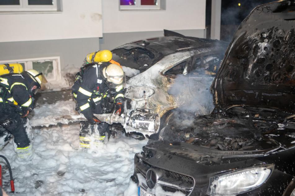 Brandstiftung? Luxus-Autos brennen in Hamburg