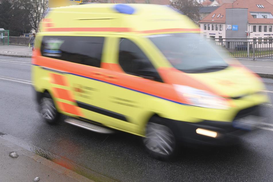 15-Jährige stürzt durch Dachkuppel von Grundschule und verletzt sich schwer