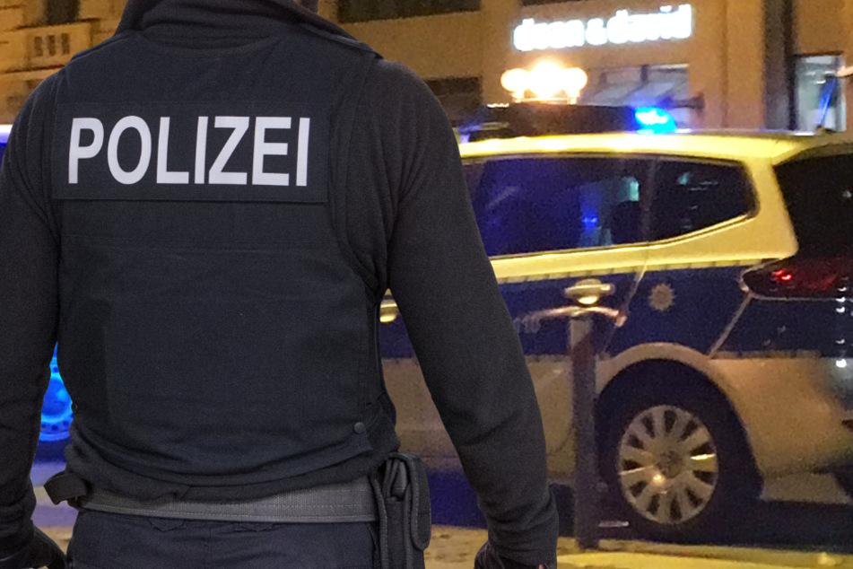 Kassel: Mann (22) rastet völlig aus, attackiert Polizei und verletzt Beamten