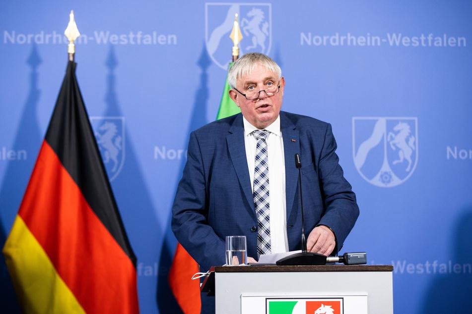 NRW-Minister kennt Internet-Probleme auf dem Land aus erster Hand