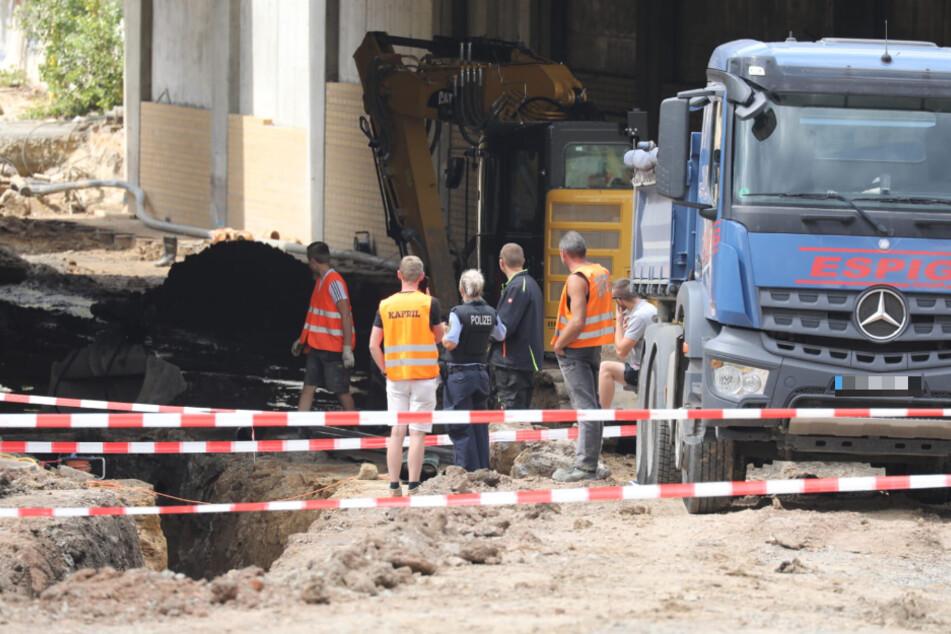 Baggerfahrer hatten die Sprengkörper freigelegt, die am Mittwoch abtransportiert werden konnten.