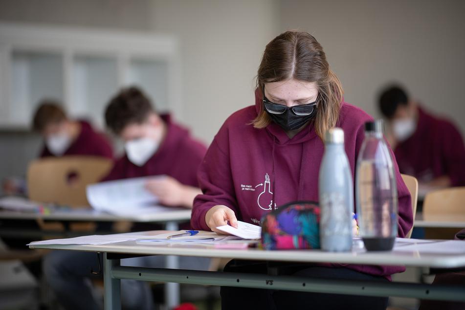 In NRW starten an diesem Freitag die Abitur-Prüfungen unter Corona-Beschränkungen.