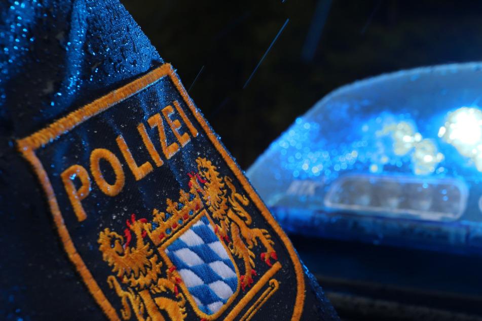 Das Polizeipräsidium suspendierte den Polizisten, da er gegen das Mäßigungsgebot verstoßen habe. (Symbolbild)