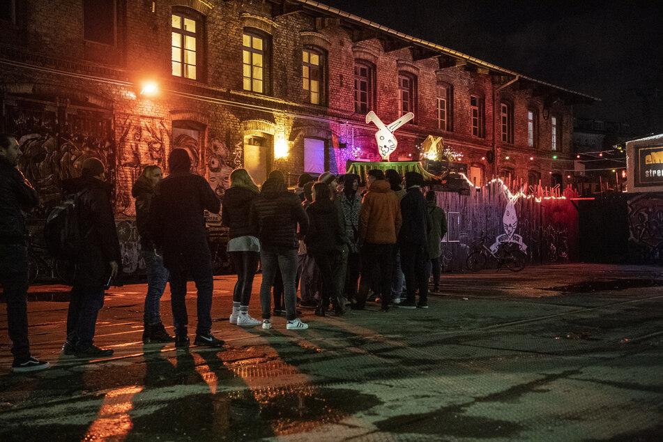 Berliner Clubs und Restaurants sollen in der Corona-Krise mit einem Liquiditätsfonds von 100 Millionen Euro unterstützt werden.
