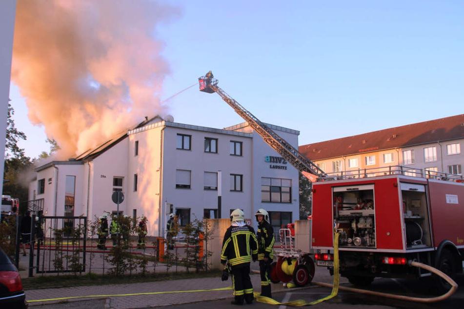 Rauchwolke über Hoyerswerda: Feueralarm im Ärztehaus