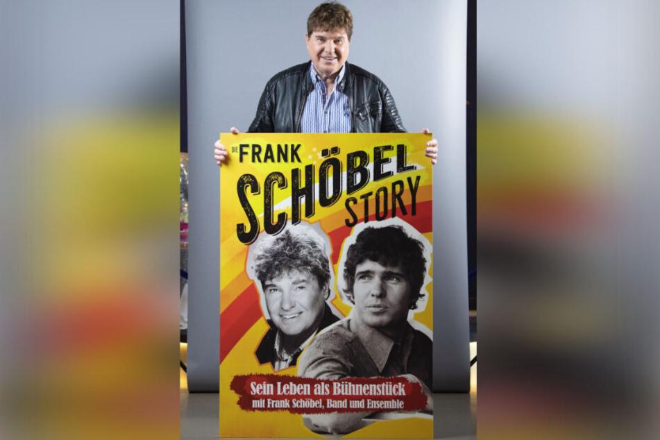 Es kann nur einen geben: Frank Schöbel (76) mit dem Plakat zum Theaterstück über seine Karriere.