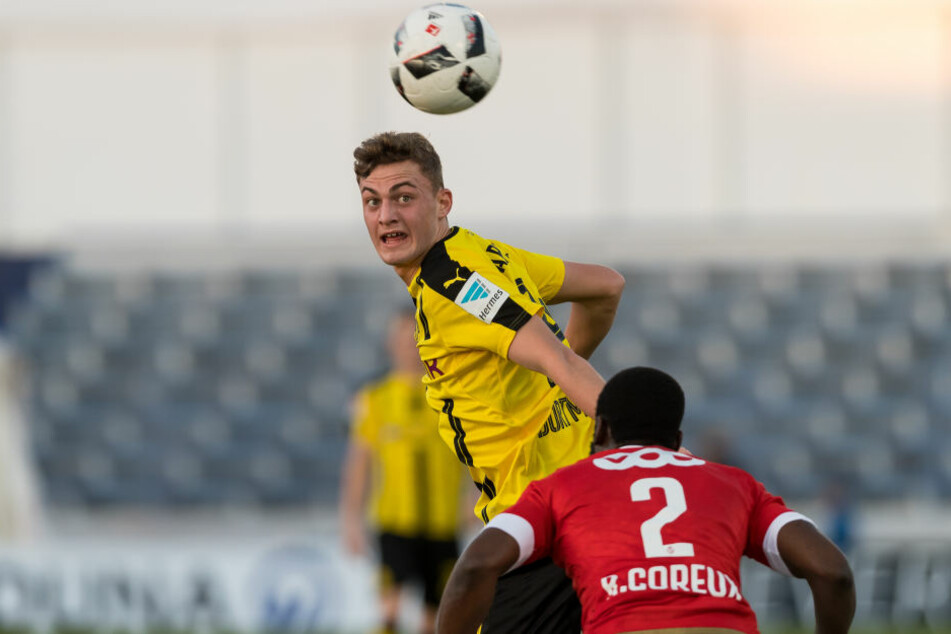 Bald mit VfB Trikot: Jacob Bruun Larsen. (Archivbild)