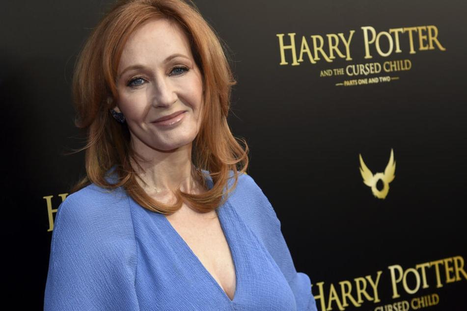 """Joanne K. Rowlings Verlag hat vier neue Bücher aus dem """"Harry Potter""""-Universum angekündigt."""