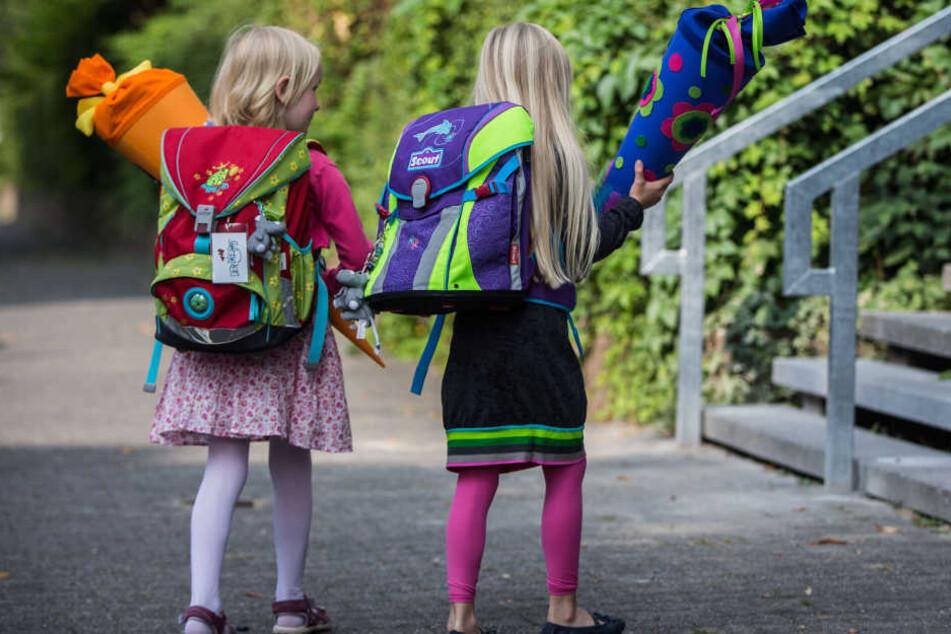 Die Vorbereitungen der Eltern laufen auf Hochtouren: Die Einschulung naht. (Symbolbild)