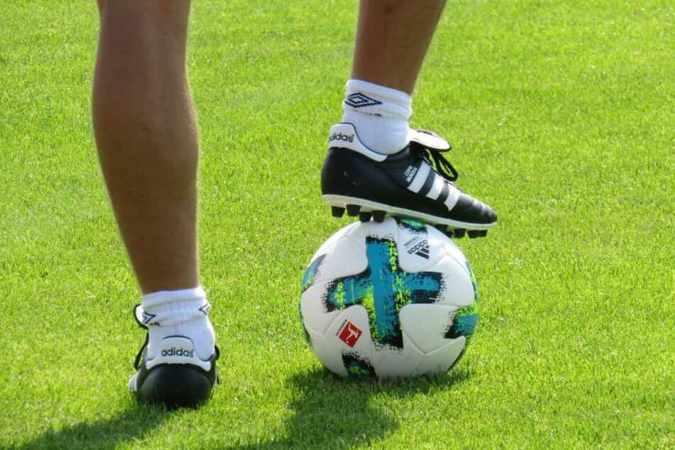 Hochwertige Fußballschuhe gehören zur Grundausrüstung eines jeden Fußballspielers.