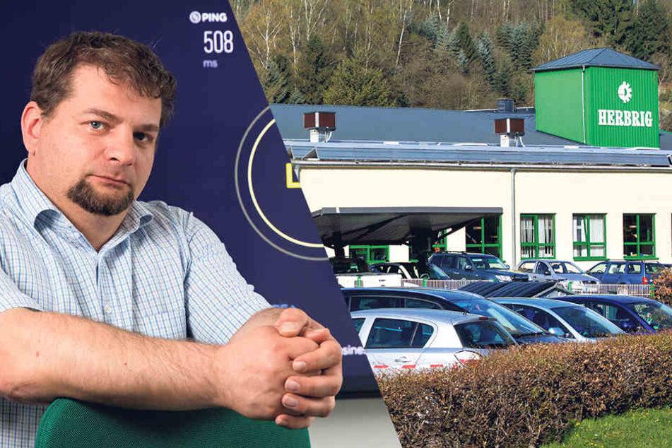 Steffen Findeisen (39), Informatiker bei der Firma Herbrig, ärgert sich über die lahme Internetverbindung. Sie behindert die Arbeit.