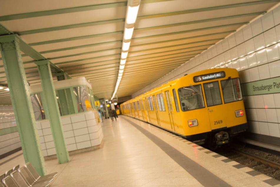 Der U-Bahnhof am Strausberger Platz.