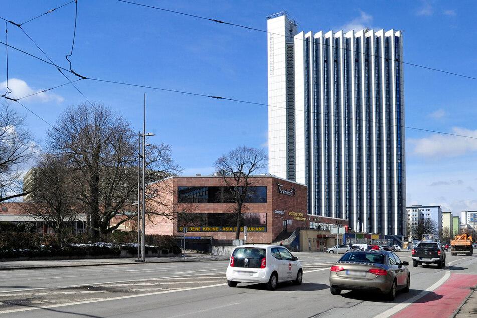 Am Mittwoch wurde ein Seniorin in der Chemnitzer Brückenstraße angefahren und schwer verletzt. (Archivbild)