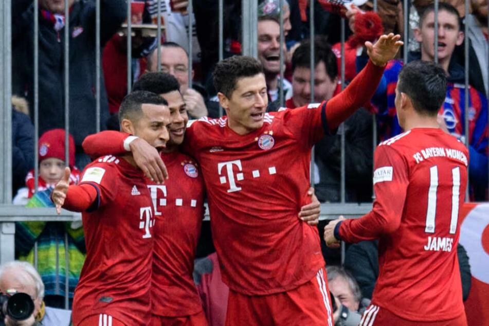 Robert Lewandowski avancierte mit seinem Treffer zum erfolgreichsten ausländischen Torschützen der Bundesliga.