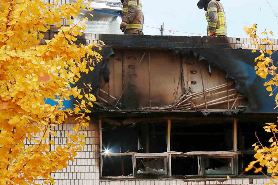 Das Feuer riss viele Bewohner aus dem Schlaf.