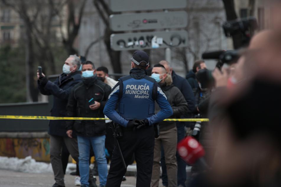 Die Explosion in der Nähe der bei Touristen beliebten Plaza Mayor war im Umkreis von mehreren Kilometern zu hören und zerstörte das mehrstöckige Wohngebäude für Priester weitgehend.