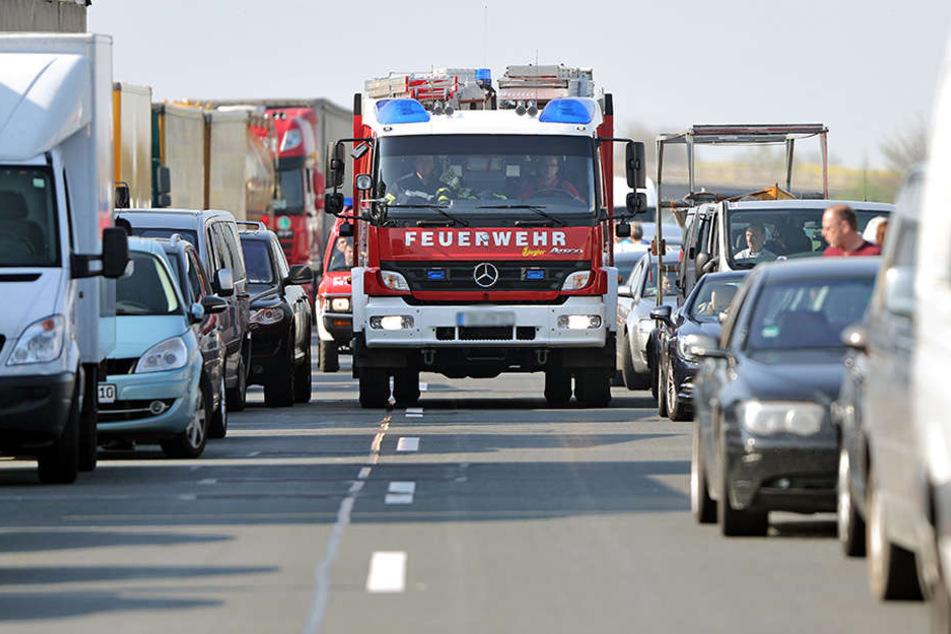 Die Brandenburger Polizei weist immer wieder auf die korrekte Bildung einer Rettungsgasse hin. (Symbolbild)