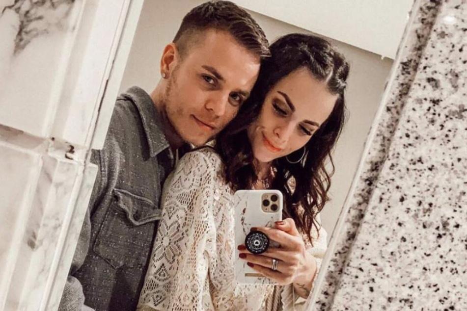 Henning Merten (30), hier mit seiner neuen Freundin Denisè, möchte nicht mehr, dass die gemeinsame Tochter Juna (4) im Netz gezeigt wird.
