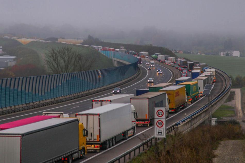 Stau-Chaos nach Unfall auf der A8