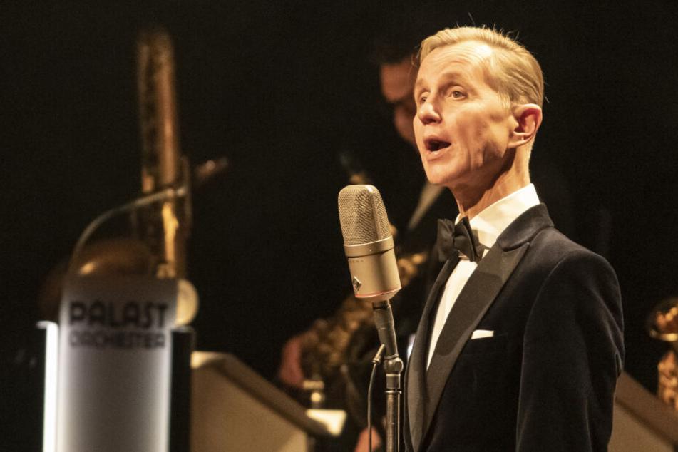 """Im Anschluss an das """"Riverboat"""" wird es ein unplugged Konzert von Sänger Max Raabe geben."""