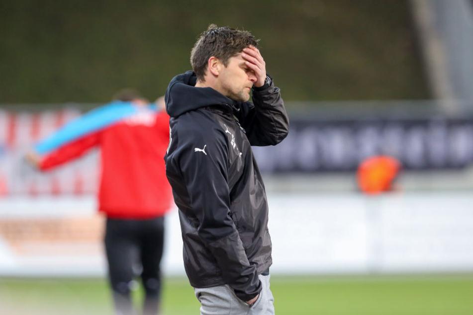 Für Trainer Torsten Ziegner war es kein leichter Abend, schon nach zehn Minuten hatte der FSV zwei Tore kassiert, schaffte aber noch den Ausgleich.