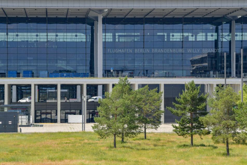Brandenburger Landtagsausschuss debattiert über Hauptstadt-Flughafen BER