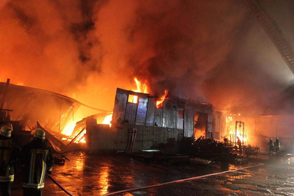 80 Feuerwehrleute waren im Einsatz.
