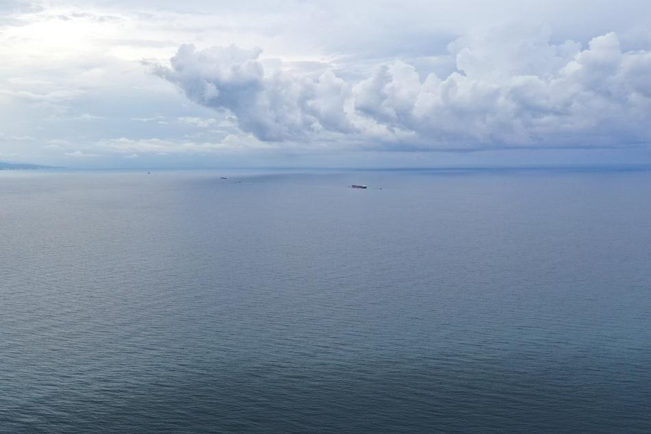 Ein Ölteppich treibt aktuell vor Zypern. (Symbolbild)