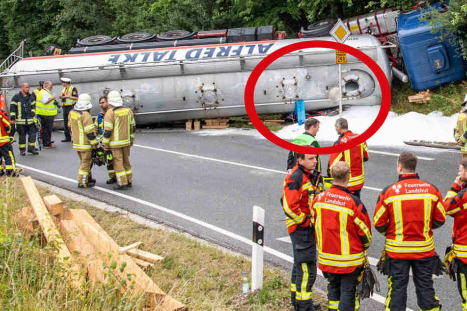 Horror-Unfall! Tanklaster begräbt Auto unter sich