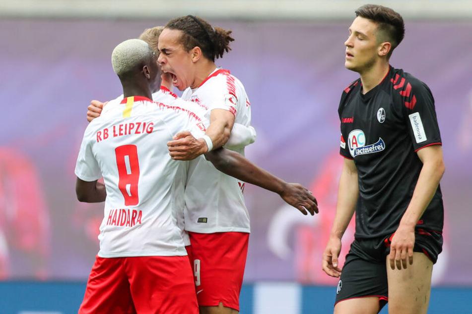 Freiburgs Keven Schlotterbeck (r.) absolvierte bisher neun Bundesliga-Partien.
