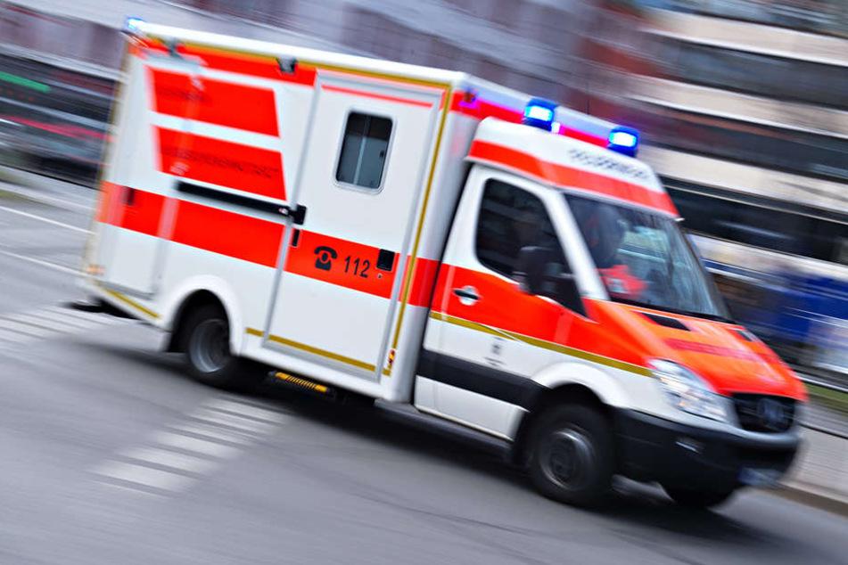 In Leipzig wurde eine 52-Jähriger angefahren und lebensgefährlich verletzt. (Symbolbild)