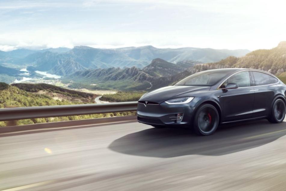 """11.000 der SUV-Modelle """"Model X"""" werden zur Reparatur zurückgerufen."""