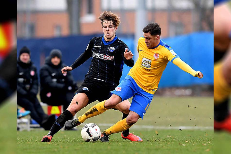 Der Finne Roope Riski, hier im Duell mit Braunschweigs Mirko Biland, trainiert weiter mit.