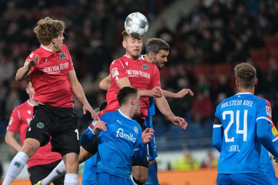 Die Partie in Liga zwei zwischen Hannover und Kiel konnte fortgesetzt werden.