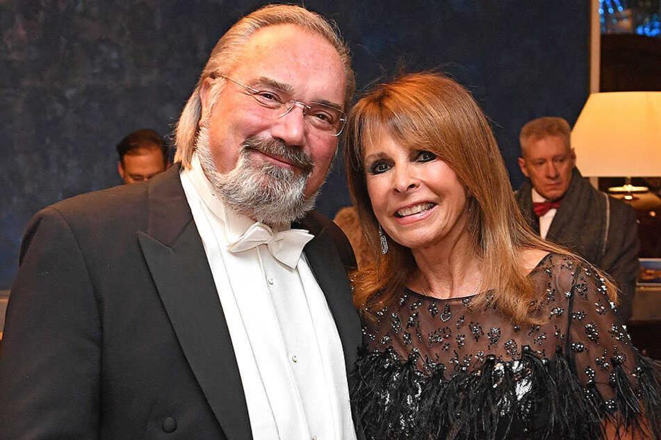 War erst vor wenigen Tagen in Dresden: Ireen Sheer (69) mit ihrem Ehemann und Manager Klaus-Jürgen Kahl (67) auf dem 14. SemperOpernball.