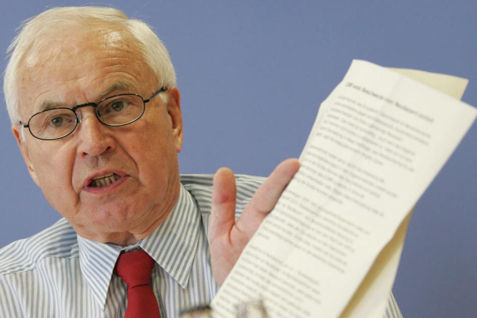 Hans Modrow, letzter DDR-Ministerpräsident, fordert vor dem Bundesverwaltungsgericht Leipzig Akteneinsicht.
