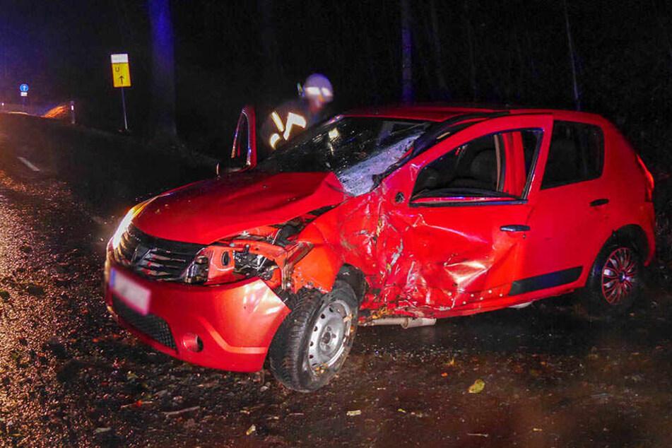 Zwei Insassen wurden bei dem Unfall verletzt.