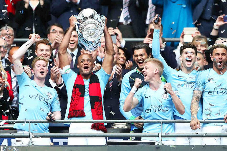 Riesenjubel bei Manchester City: Mit dem FA-Cup wurde auch der dritte englische Titel in dieser Saison geholt.