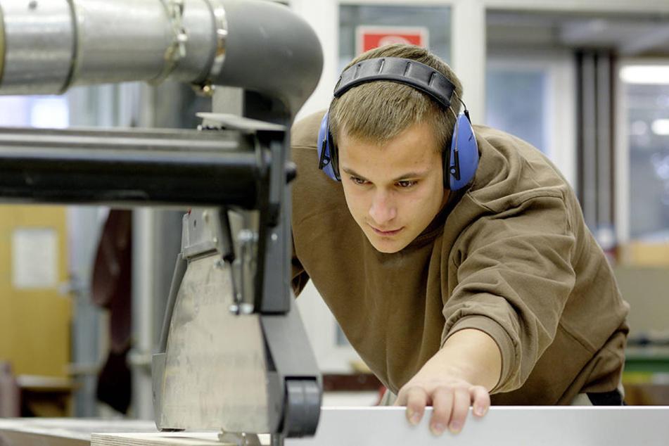 Das Fachpersonal wird immer älter. Deshalb suchen die Betriebe händeringend nach Lehrlingen.