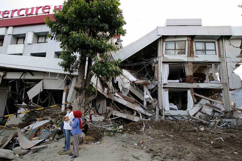 Die Suche nach Überlebenden der Tsunami-Katastrophe wird immer verzweifelter.