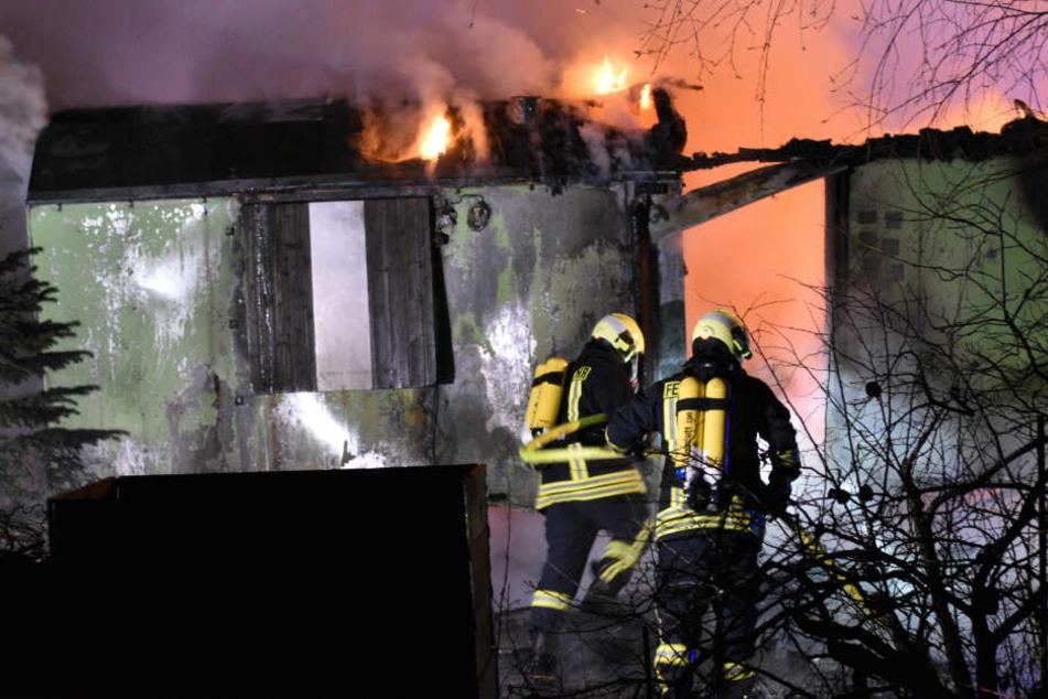 Jugendclub in Karnevalshochburg geht in Flammen auf